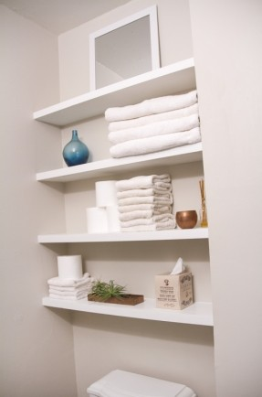 18 Creative DIY Floating Shelves