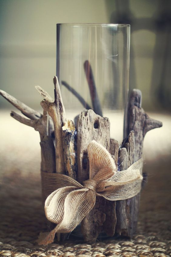 diy-driftwood-vase-holder