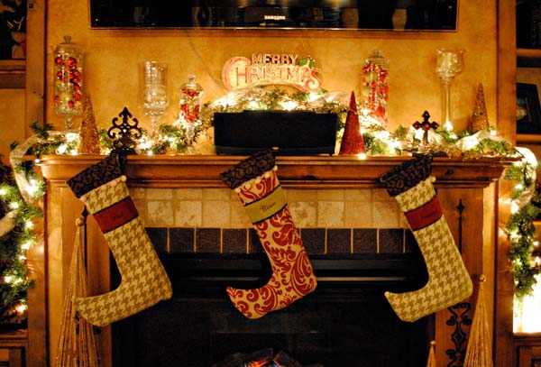 24 christmas fireplace decorations know that you should not do - Fireplace Christmas Decorations