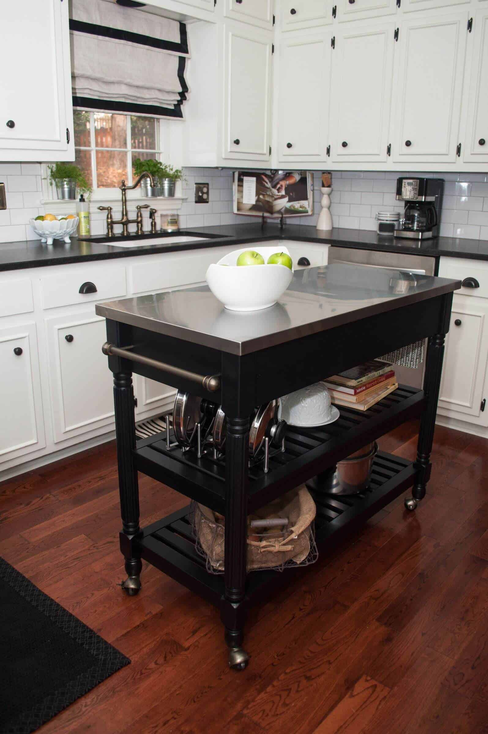 Easy and Workable Rolling kitchen island ideas (4)